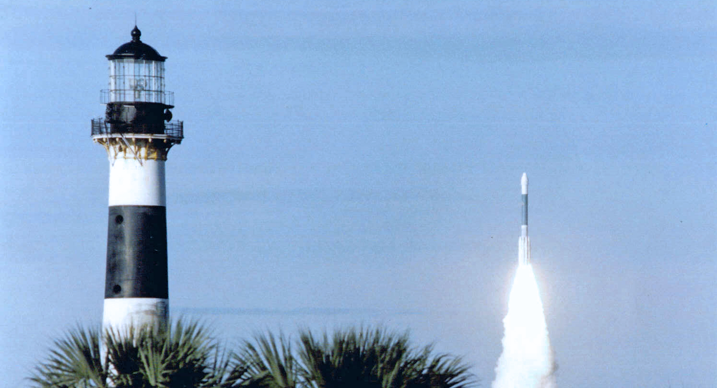 "<font color=""khaki"">Cape Canaveral Lighthouse & Spaceflight Exploration Tours</font>"